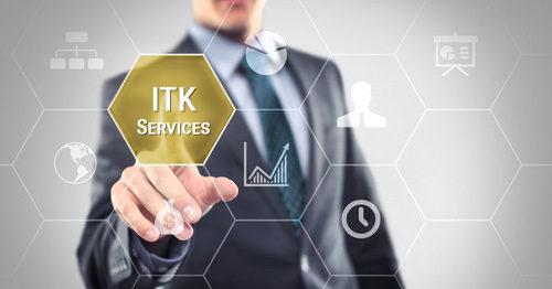 mann_drueckt_auf_itk-services